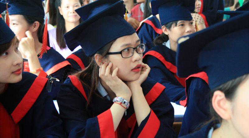 Sinh viên trung cấp Đông Đô